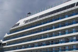 Στον Πειραιά το κρουαζιερόπλοιο για τη φιλοξενία των πληγέντων
